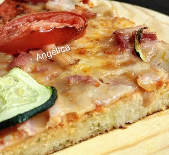 PIZZA masa coliflor y almendra molida con Thermomix®