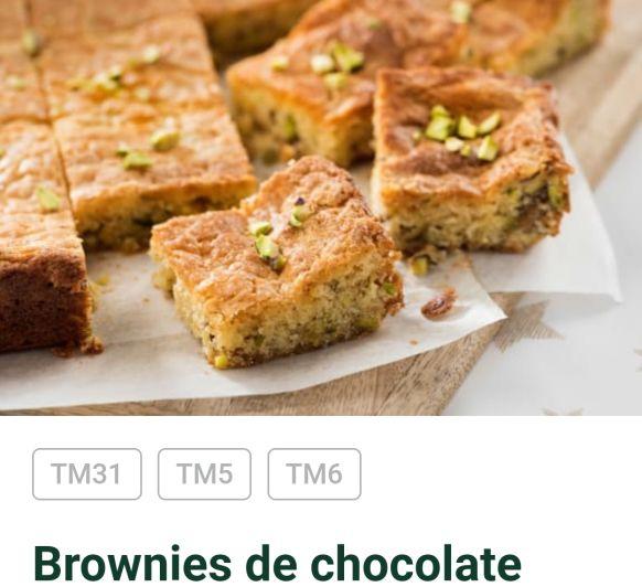 Brownie de chocolate blanco y pistachos