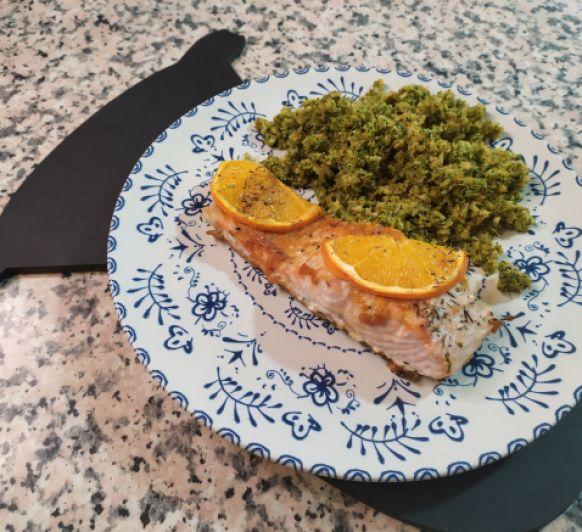 Salmón a la naranja con cuscús de brócoli